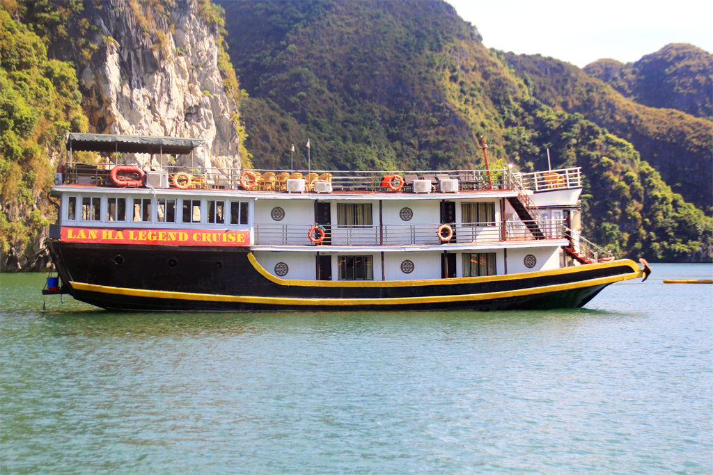 Lan Ha Legend Cruises