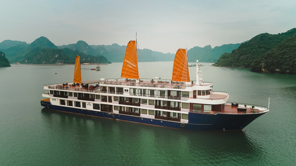 Lan Ha Sealife Legend Cruises