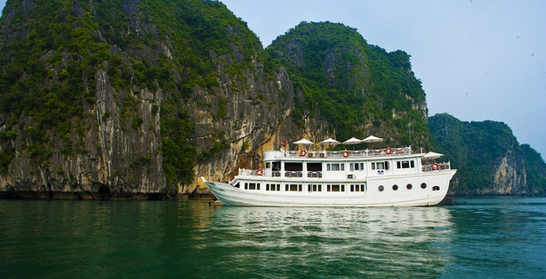Halong Bhaya Legend Private Cruise